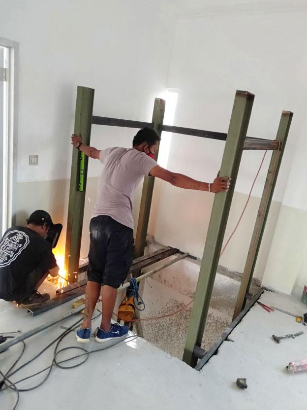 Lift Barang 2 Ton Varash Bali 3