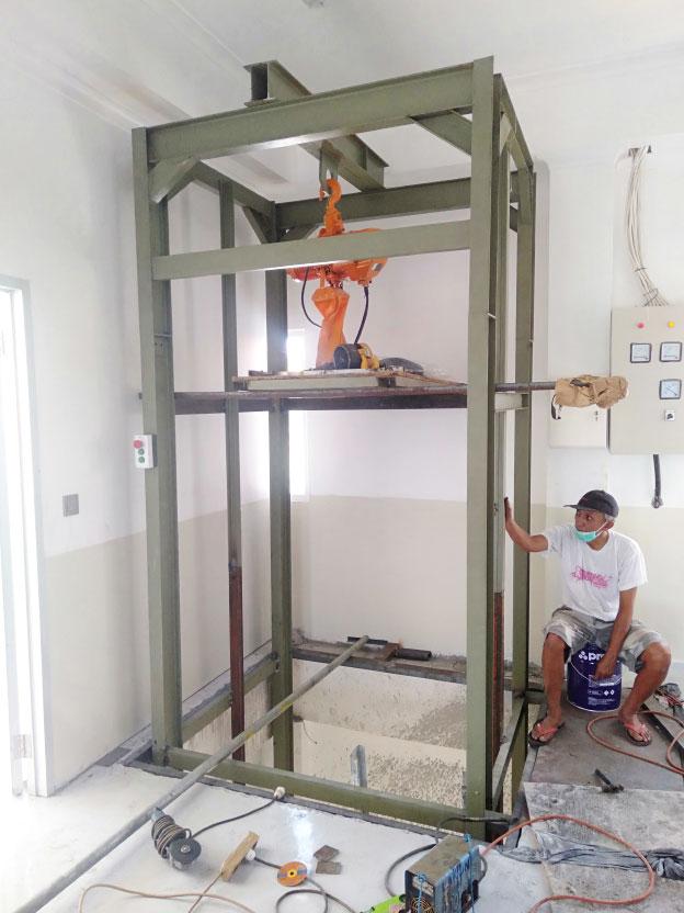 Lift Barang 2 Ton Varash Bali 5